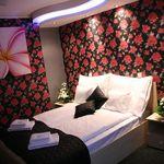Zuhanyzós Bronze franciaágyas szoba