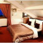 Apartament family la mansarda cu 2 camere pentru 4 pers. (se poate solicita pat suplimentar)