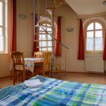 Galériás  Studio négyágyas szoba (pótágyazható)