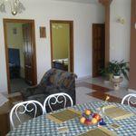 Apartament 4-osobowy na parterze z balkonem z 1 pomieszczeniem sypialnianym (możliwa dostawka)