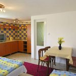 Apartmán pre 4 os. s 2 spálňami na prízemí