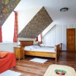 Tetőtéri Family háromágyas szoba