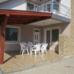 Apartman s terasou pro 4 os. se 2 ložnicemi v přízemí (s možností přistýlky)