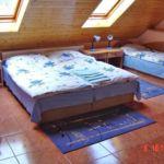 Pokój 4-osobowy na piętrze na poddaszu