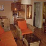 Apartament standard la parter cu 2 camere pentru 4 pers. (se poate solicita pat suplimentar)
