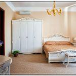 Номер с двуспальной кроватью Делюкс (с доп. местом)