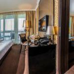 Pokój 2-osobowy Classic znajduje się w skrzydle z balkonami