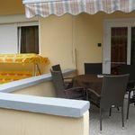 Apartament cu balcon cu vedere spre lac cu 3 camere pentru 8 pers. (se poate solicita pat suplimentar)