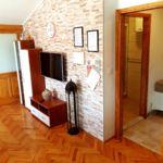Apartament mansarda cu vedere spre mare cu 2 camere pentru 4 pers. (se poate solicita pat suplimentar)