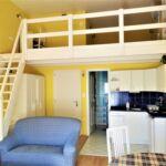 Apartament 4-osobowy z balkonem z antresolą z 1 pomieszczeniem sypialnianym