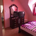 Fürdőszobás Family négyágyas szoba (pótágyazható)