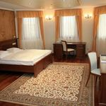 Panoramic Park View 2-Room Suite for 4 Persons