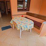 Apartament la parter cu vedere spre gradina cu 1 camera pentru 2 pers. (se poate solicita pat suplimentar)