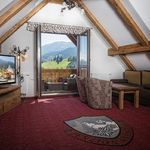 Apartament grand cu vedere spre munte cu 2 camere pentru 4 pers.