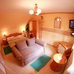 Izba so sprchou s manželskou posteľou v podkroví (s možnosťou prístelky)