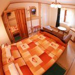 Izba s vaňou s manželskou posteľou v podkroví (s možnosťou prístelky)