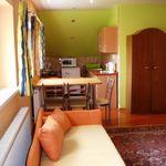 Apartmán s vlastnou kuchyňou pre 5 os. s 2 spálňami s výhľadom na hrad (s možnosťou prístelky)