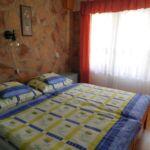 Apartament 4-osobowy na parterze połączone z 2 pomieszczeniami sypialnianymi