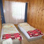 Földszintes fürdőszobás kétágyas szoba