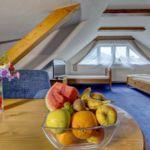 1-Zimmer-Apartment für 5 Personen im Dachgeschoss mit Aussicht auf die Berge (Zusatzbett möglich)
