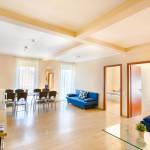 Apartament 8-osobowy na piętrze Premia z 3 pomieszczeniami sypialnianymi (możliwa dostawka)