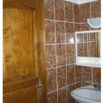 Apartament la parter cu grup sanitar cu 2 camere pentru 4 pers. (se poate solicita pat suplimentar)