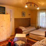 Camera cu grup sanitar cu vedere spre munte pentru 5 pers.
