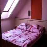 Camera twin cu grup sanitar