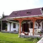 Casa rustica familial(a) cu vedere spre curte pentru 7 pers. (se inchirieaza doar integral) (se poate solicita pat suplimentar)