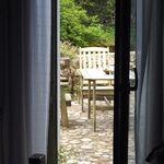 Apartament cu terasa cu vedere spre rau cu 1 camera pentru 2 pers. (se poate solicita pat suplimentar)