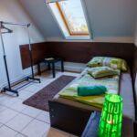 Tetőtéri légkondicionált egyágyas szoba