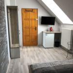 Emeleti fürdőszobás kétágyas szoba
