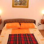 22 Pokoj s manželskou postelí na poschodí