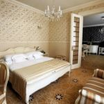 Apartman s klimatizací s koupací vanou s manželskou postelí s 1 ložnicí (s možností přistýlky)