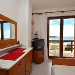 """Apartament 2-osobowy """"C"""" z widokiem na morze z 1 pomieszczeniem sypialnianym (możliwa dostawka)"""