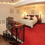 Rezydencja pokój 2-osobowy Business Executive z 2 pomieszczeniami sypialnianymi (możliwa dostawka)