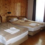 3. Egy hálóteres ötágyas szoba (pótágyazható)