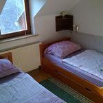 Tetőtéri zuhanyzós kétágyas szoba