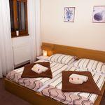 Balkonos fürdőkádas 2 fős apartman 1 hálótérrel (pótágyazható)