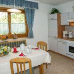 3-Zimmer-Apartment für 6 Personen mit Garten und Eigener Küche (Zusatzbett möglich)