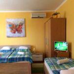 Földszintes Komfort ötágyas szoba (pótágyazható)