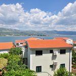 Medenceoldali tengerre néző 6 fős apartman 3 hálótérrel