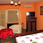 Pokoj s balkónem s koupací vanou s manželskou postelí (s možností přistýlky)