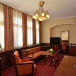 Rezydencja pokój 4-osobowy Standard z łazienką z 2 pomieszczeniami sypialnianymi (możliwa dostawka)