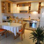 Apartament confort cu vedere spre mare cu 3 camere pentru 5 pers.