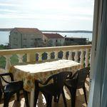Apartament 5-osobowy z balkonem z widokiem na morze z 2 pomieszczeniami sypialnianymi