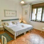 Apartman s terasou pro 4 os. s 1 ložnicí s výhledem na jezero
