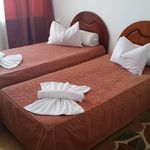 Tengerre néző légkondicionált kétágyas szoba (pótágyazható)