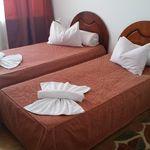 Camera twin cu aer conditionat cu vedere spre mare (se poate solicita pat suplimentar)