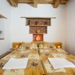 Kertre néző akadálymentesített franciaágyas szoba (pótágyazható)